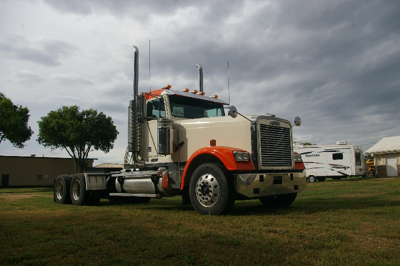 Prairie Tech - Freightliner Day Cab Kits