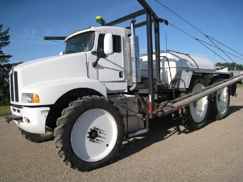 Crew Cab Peterbilt >> Prairie Tech - Custom Day Cab Conversions